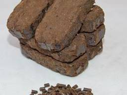 Fuel briquettes from lignin